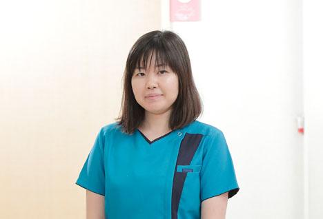 歯科医師 : 森田 彩乃